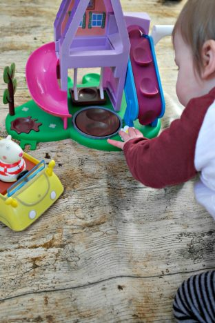 1st Birthday Gift Guide   Playing with Weebles http://oddhogg.com