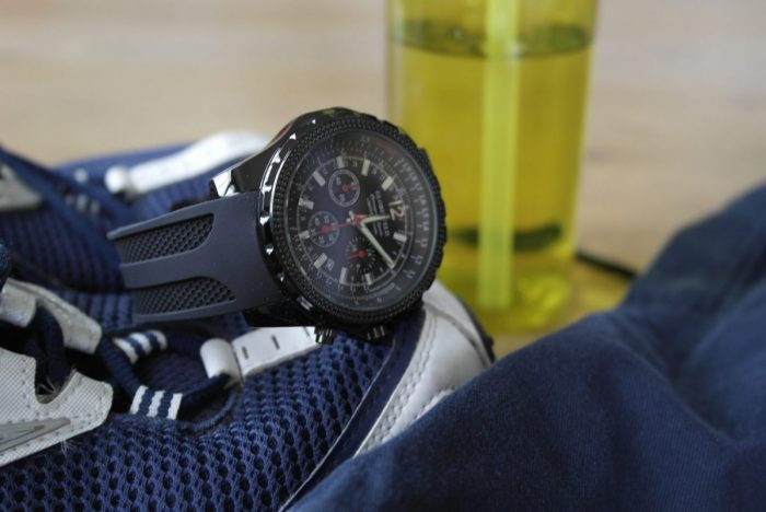 Globenfeld Men's Chronograph Sports Watch Review | With Sports Kit https://oddhogg.com
