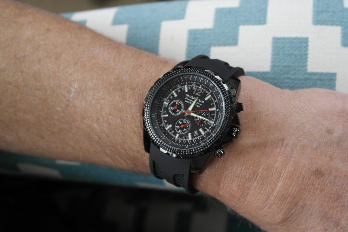Globenfeld Men's Chronograph Sports Watch Review | Wearing the Watch https://oddhogg.com