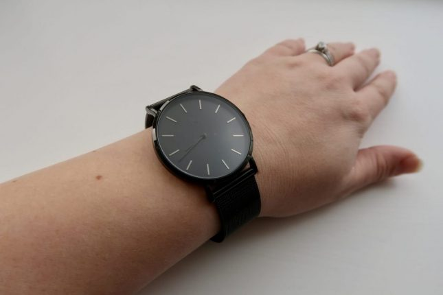 Alienworks Unisex Watch Review | Watch on ladies wrist https://oddhogg.com