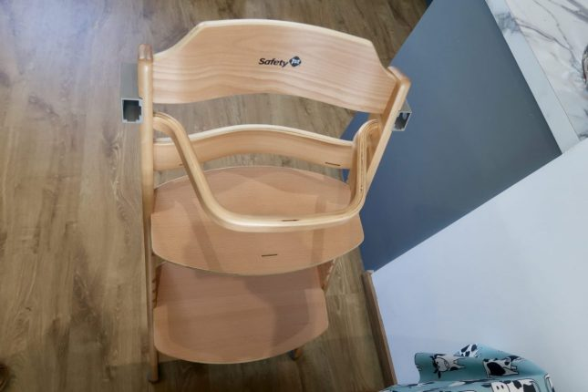 Safety 1st Wooden Highchair Review | Chair Set Up https://oddhogg.com