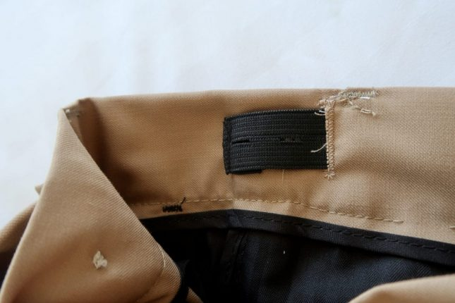 Roco Clothing Review | Adjustable button on chinos https://oddhogg.com