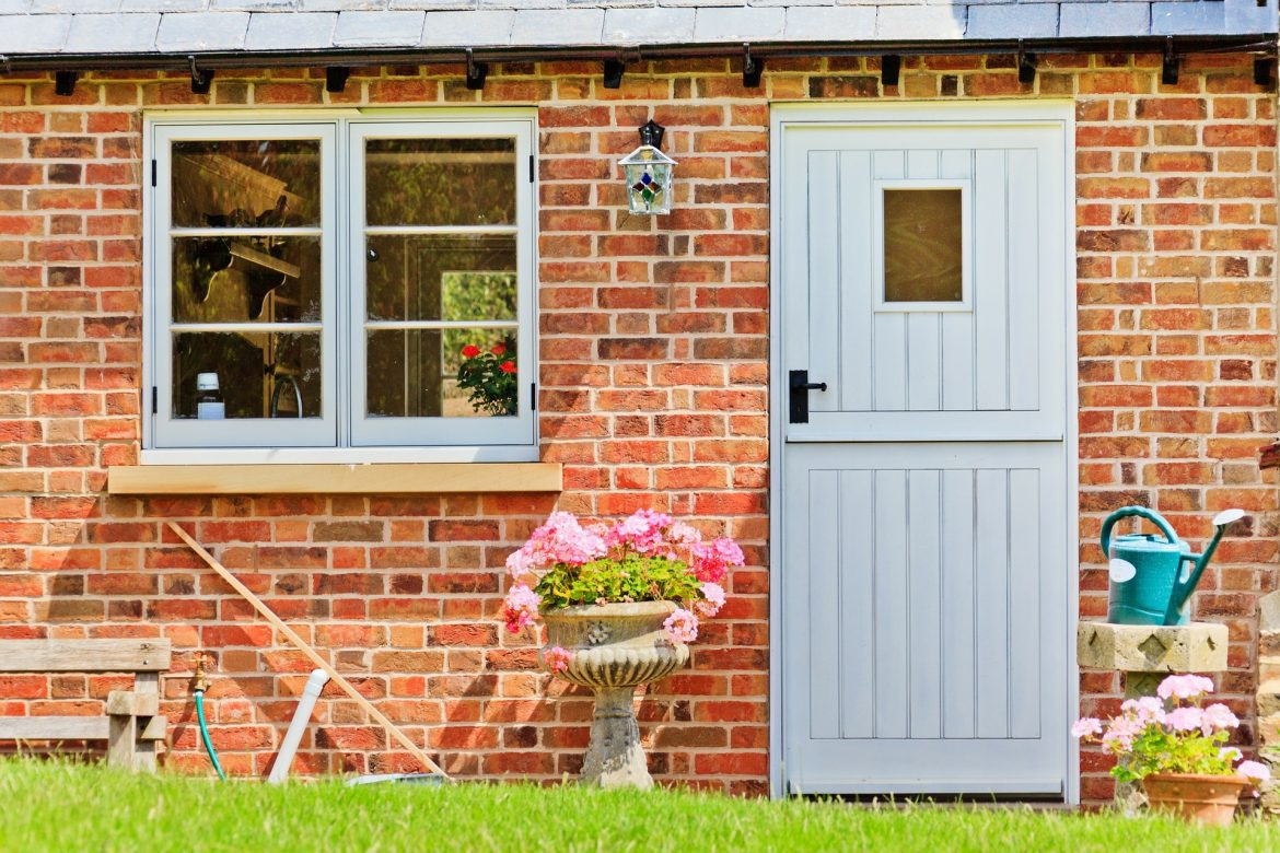 What is on your house bucket list? | Stable door with flowers www.oddhogg.com