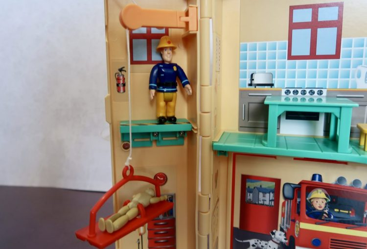 Fireman Sam Fire Rescue Centre Review | AD