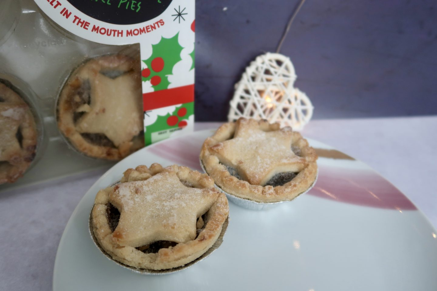 2 vegan mince pies on a plate