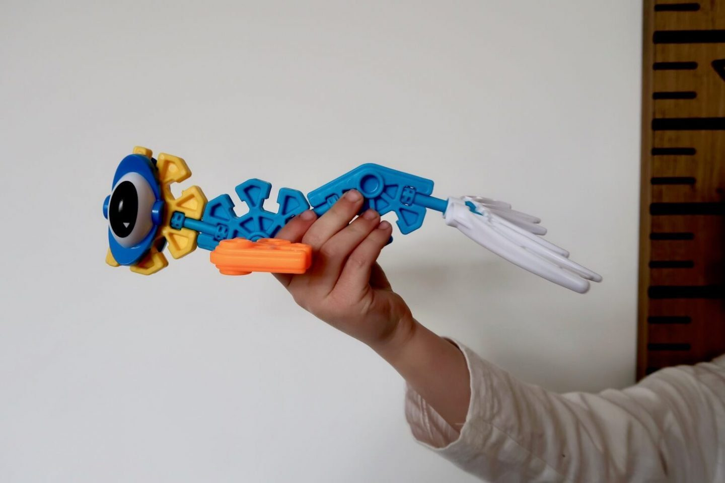 A sea monster made out of K'nex